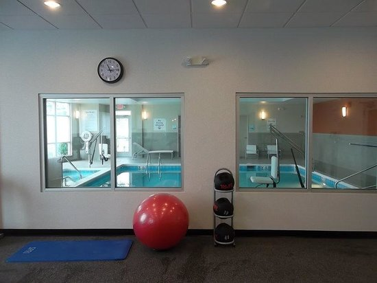 Holiday Inn Express Hotel & Suites Columbus - Easton : Fitness Room opposite angle