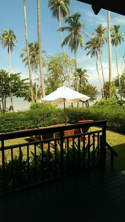 The Vijitt Resort Phuket: Own front lawn of villa 8