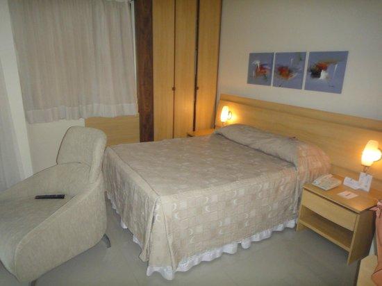 Bourbon Vitoria Residence Hotel: Cama casal