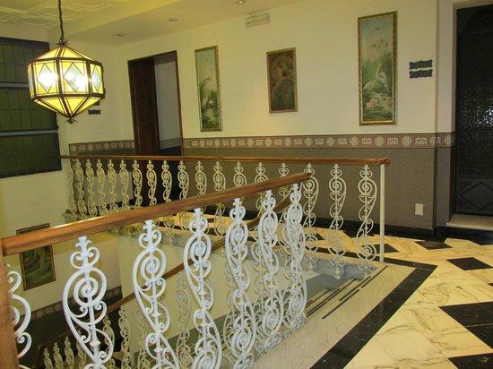 Hotel Berchielli : Lovely stairway