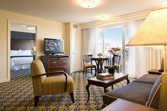 Newport Beach Hotel and Suites : 1br Suite