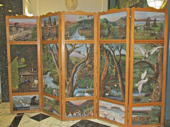 Hotel Berchielli : Decorative screen