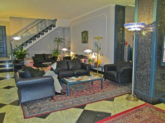 Hotel Berchielli : Lobby sitting area