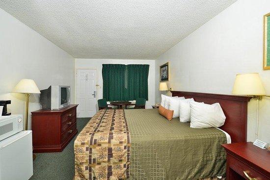Americas Best Value Inn: King Room