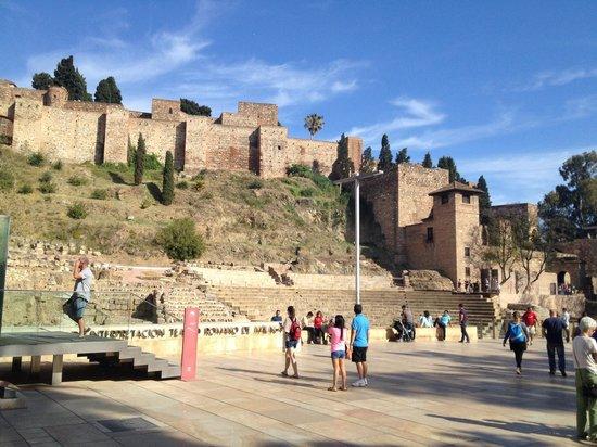 Alcazaba: Театр под крепостью