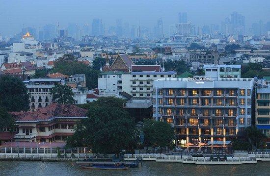 Riva Surya Bangkok: Riva Surya Hotel View from Chao Phraya River