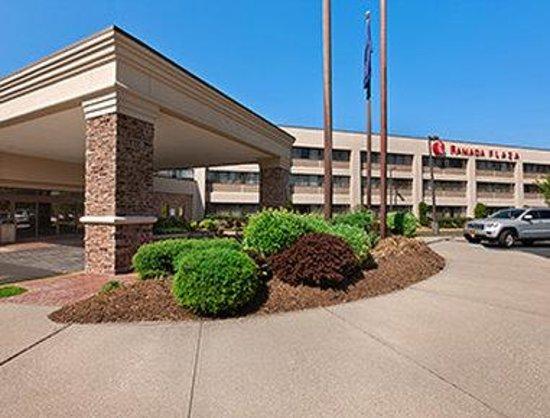 Ramada Plaza Hotel Holtsville Ny