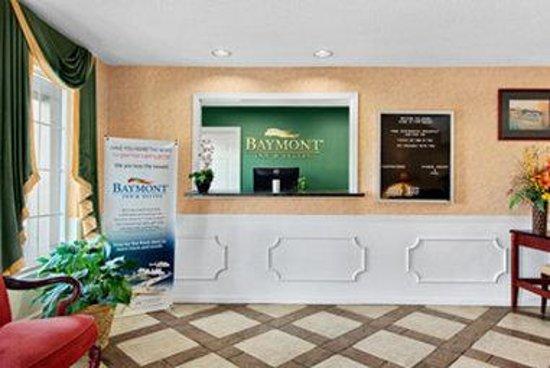 Baymont Inn & Suites Ozark: Lobby