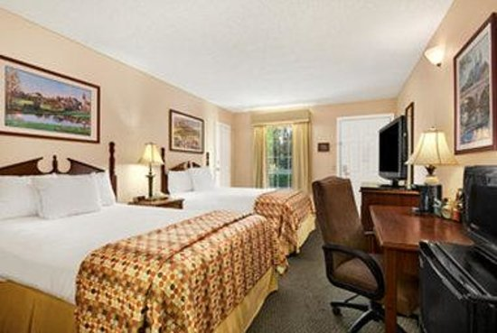 Baymont Inn & Suites Ozark: Standard Double Room