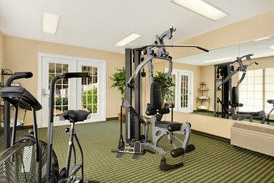 Baymont Inn & Suites Ozark: Fitness Center