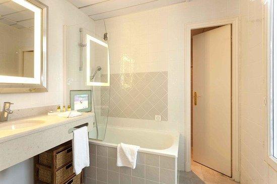 Le Relais Madeleine: Bathroom2