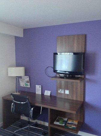 Holiday Inn Express Edinburgh Airport's Guest Room