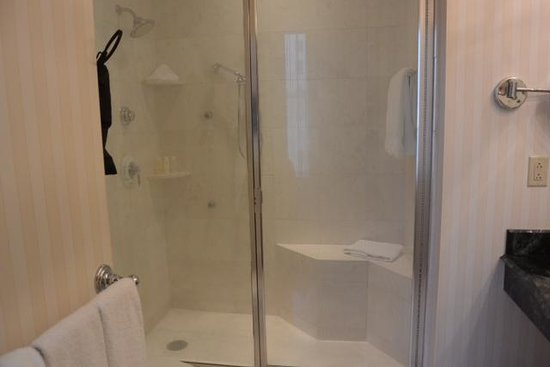Omni San Francisco Hotel : California Suite Shower