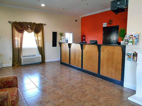 Motel 6 Hinesville: MLobby