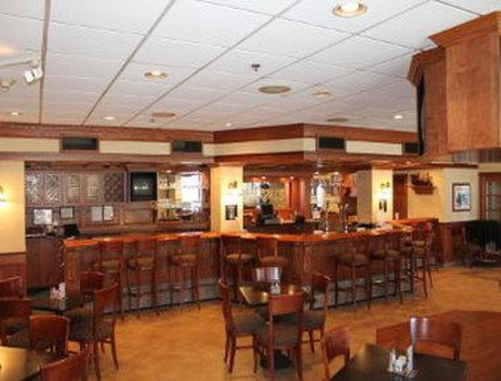 Ramada Cumberland Downtown : Harrigans Bar