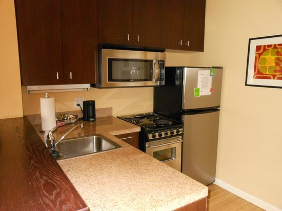 TownePlace Suites Shreveport-Bossier City: kitchen