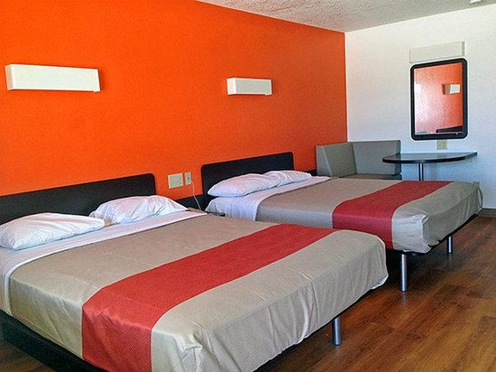 Motel 6 San Antonio - Fiesta Trails: Double Room