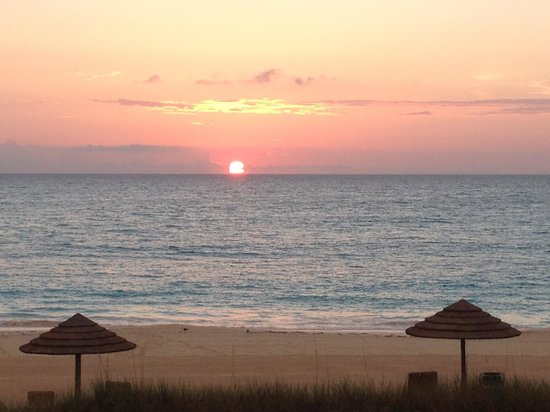 Sandals Emerald Bay Golf, Tennis and Spa Resort : The amazing sunrise!