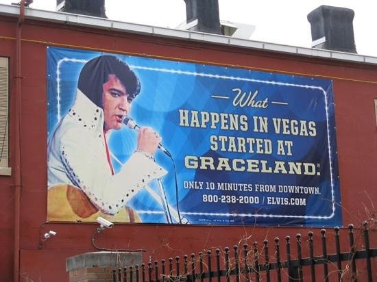 Graceland : King of Rock and Roll and Las Vegas