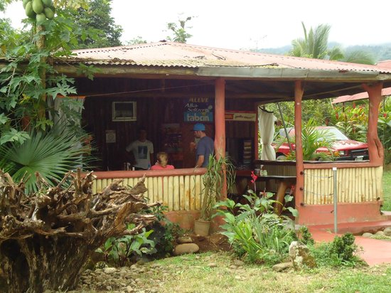 Rio Celeste Hideaway Hotel: Dona Ina- soda near the hotel. Great place for lunch!