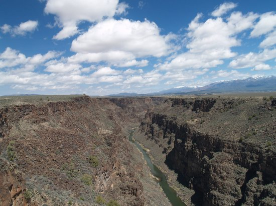 Rio Grande Gorge Bridge: Beautiful Day! Beautiful View!