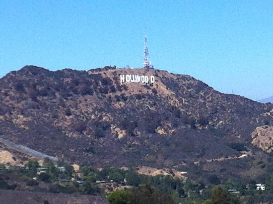 Ramada Plaza West Hollywood Hotel & Suites: hollywood sign