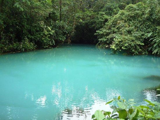 Rio Celeste : laguna azul