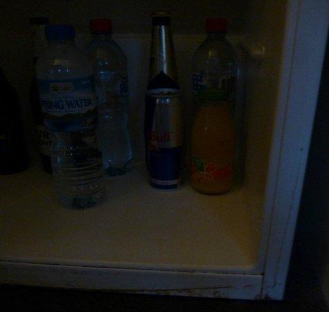 Mantra on Jolimont: Rust around bar fridge