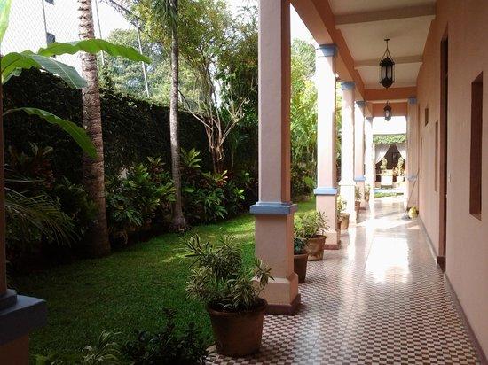 Hotel Villa Colonial : jardin