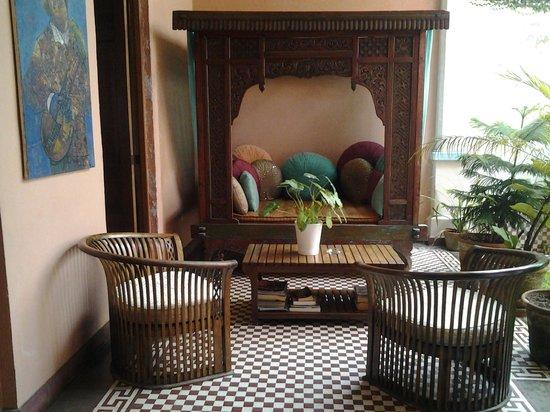 Hotel Villa Colonial : salon extérieur