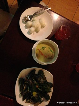 ibis Styles Bangkok Khaosan Viengtai : Food from Pub across the street - 2013