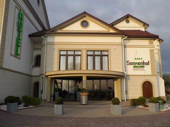 Hotel Sonnenhof: ... am Eingang...