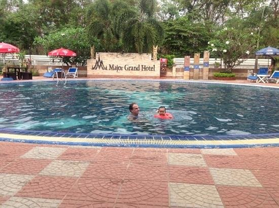 Major Grand Hotel: pool is properly chilled and cleaned daily!