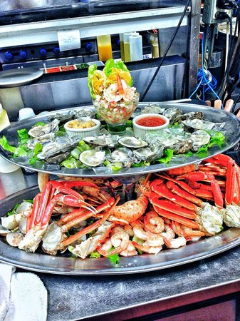 Sea Cafe: Raw Bar platter for big family
