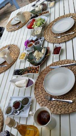 1882 Butik Otel: Complimentary breakfast