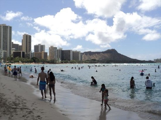 Waikiki Beach : Coast line of the beach