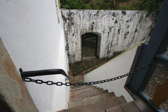 Casa dos Contos: acesso à área externa