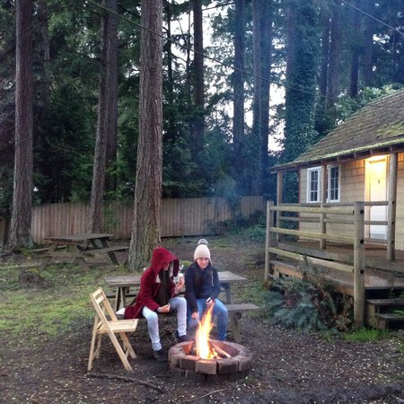 Silver Lake Resort: Kids enjoying the fire outside the cabin