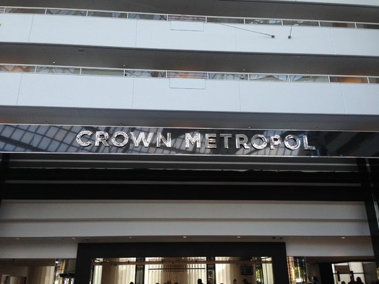 Crown Metropol Perth : Check in area