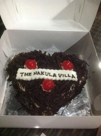 The Nakula Villas : cake given to my inlaws who celebrated their 49th wedding anniversary whilst in Bali.