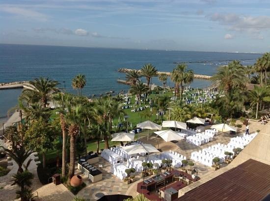 Amathus Beach Hotel Limassol: вид из номера ( 150 )