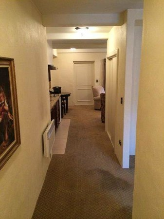 Grand Mercure Nelson Monaco Apartments : Entrance and hall