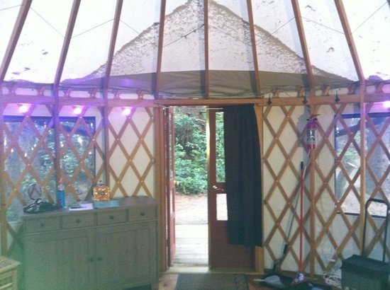 Wya Point Resort : Inside yurt