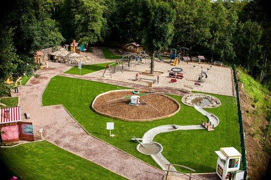 Karpacz, Poland: Plac zabaw - widok z góry