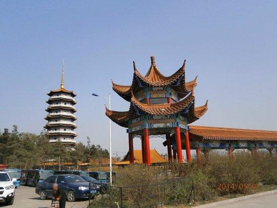 Yuantongjiang Temple