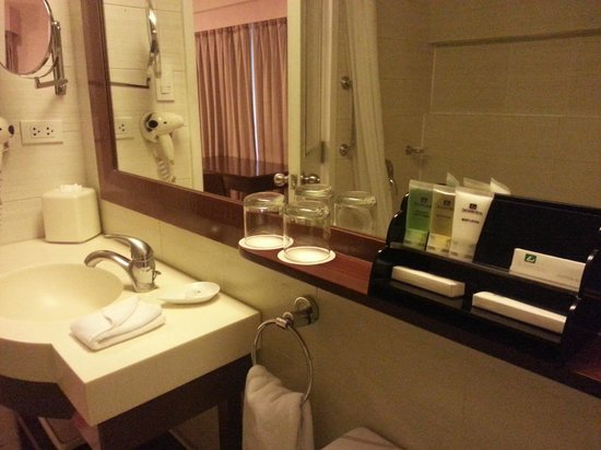 The Linden Suites: Bathroom toiletries