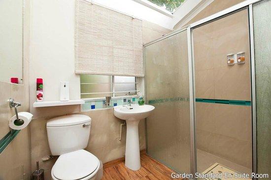 Twin Waters Guest House : Garden Standard En Suite Room