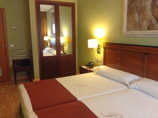 Hotel Becquer : Chambre