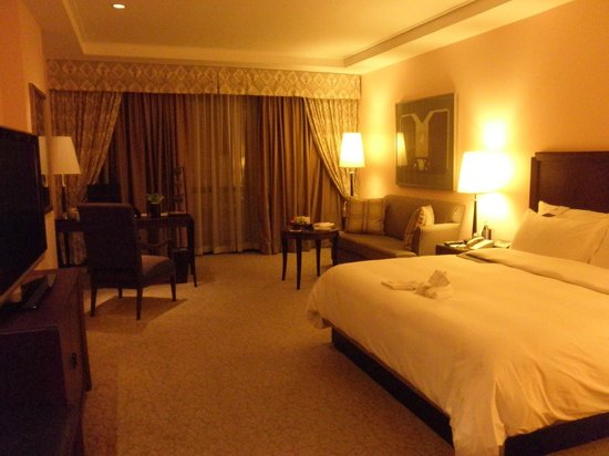 The Athenee Hotel, a Luxury Collection Hotel: Guest room