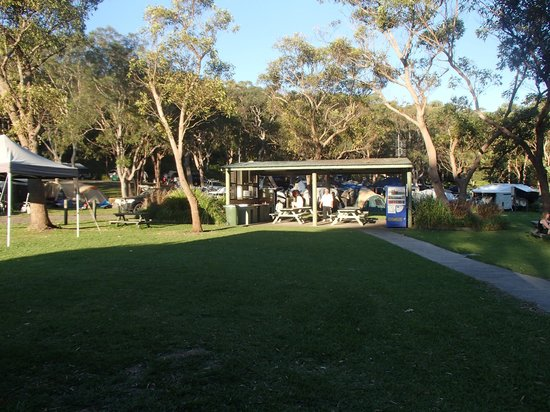 Middle Rock Holiday Resort: Camp Kitchen